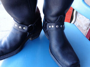 Ladies biker boots in 71/2   recycledgear.ca Kawartha Lakes Peterborough Area image 3