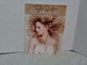 Taylor Swift piano/ vocal / guitar book