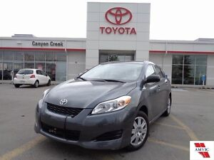 2012 Toyota Matrix ONE OWNER CLEAN CARPROOF ONLY 25,101KMS!!