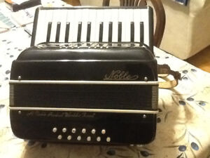 Noble accordian