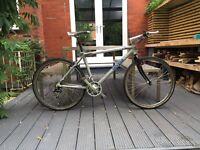 Lightweight aluminium hybrid bike