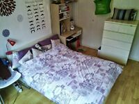 DOUBLE ROOM - ZONE 2 - Bow road tube