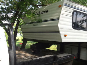 5th wheel Dutchman RV trailer