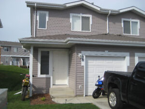Beautiful 3 bedroom townhouse - priced for quick sale!