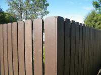 FENCES IN WOOD OR CHAIN LINK /landscaping needed