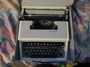 TYPEWRITER UNDERWOOD 310
