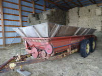 Manure spreader & conveyor Ideal for horse barns