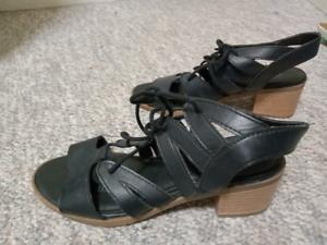 Ladies Sandals!!