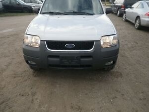 PARTING OUT 2002 ESCAPE 4X4 W/90,000 KMS London Ontario image 2