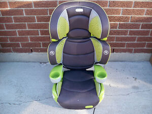 EVENFLO BID KID CAR SEAT, WITH LIGHTS ! EXPIRES 2021 Stratford Kitchener Area image 1
