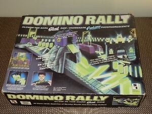 domino rally - glow in the dark set