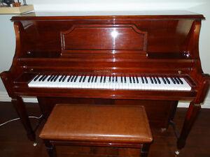 HEINTZMAN upright 48' professional piano w/cushion bench