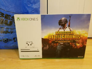 Selling New Xbox One S 1TB PLAYERUNKNOWN'S BATTLEGROUNDS Bundle