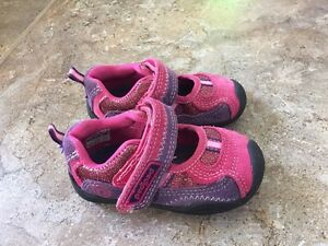 Shoes for toddler girl, size 5.5-6.5. Four pairs in total.  London Ontario image 3