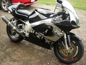Suzuki GSXR 750 ( $ 1800.00 FIRM ! ) Trade ??