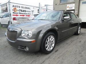 Chrysler 300 4dr Sdn Limited,TOIT OUVRANT,MAGS CROMÉ,WOW 2010
