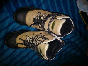 Lacrosse boots size 6.5
