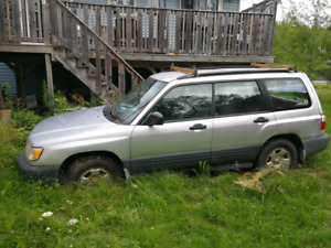 2001 Subaru Forrester for parts