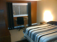 Room for rent in townhouse behind Merivale Mall