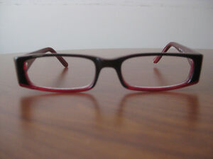Gently Used Reading Glasses. +1.25.Great Shape.