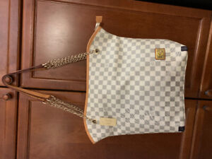 fd383b828e05a2 Louis Vuitton | Buy or Sell Women's Bags & Wallets in Ontario ...