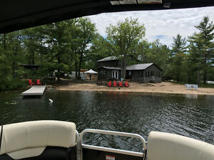 4 Bedroom blus Bunkie Modern renovated Cottage - Kasshabog  Lake