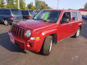 2007 jeep patriot 113k 4x4 cold a/c  cert e tested we finance