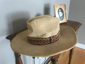 WOW!! Men's Golden Beco Cowboy Hat Size 7-7 1/2