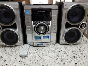 Sony Stereo Audio FM/AM,3 CD Changer Player,2 Casete Player