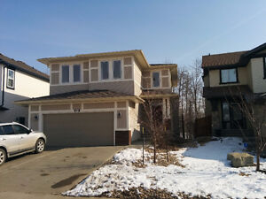 4 Bedroom house in Secord backing onto pond, with fenced yard