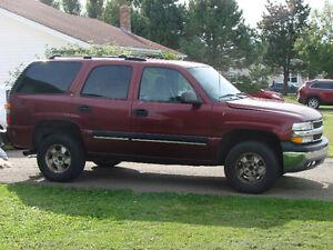 2001 Chevrolet Tahoe LT SUV, Crossover