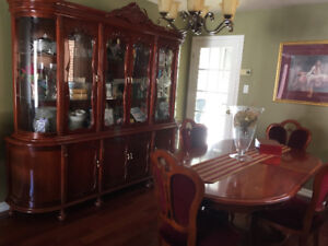 Buffet Hutch and Dinning table set