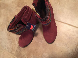 Woman's boots bought at reitmans for 49.99 on sale reg 79