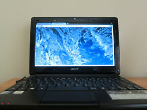 Acer Aspire One laptop with Linux