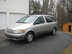 '01 Toyota Sienna, fresh MVI, motivated to sell :)