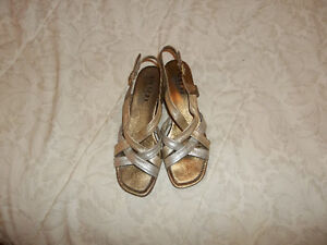 Lot of shoes (6-7)