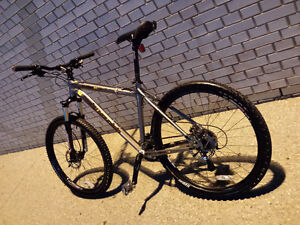 Rockymountain,MARZOCCHI,like b new,Hydraulick brake,EXCELLENT Kitchener / Waterloo Kitchener Area image 9