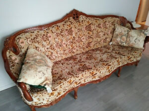Victorian Couch & Chair