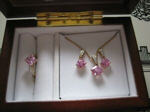 Pink sapphire pendent and earring set