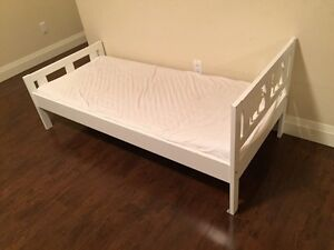 White kids bed frame and mattress