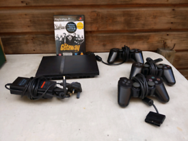 Ps2 PlayStation 2 slimline with 3 controllers and The Getaway game