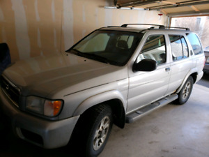 2004 Nissan Pathfinder, chinook edition
