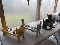 Dog & Cat feeding stations