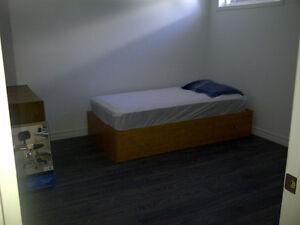 Chambre à louer (libre le 1er mai) Saguenay Saguenay-Lac-Saint-Jean image 8