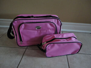 Women's set of 2 pink luggage bags carry on bags pouch Brand new