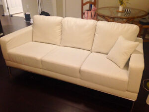 New 3-seat couch (white) London Ontario image 1