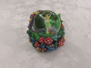 Disney Tinkerbell Musical & Lightup Snow Globe – 'You Can Fly'
