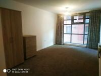 2 bed Apartment, City Gates, walking distance to centre, Deansgate, transport all amenaties, shops