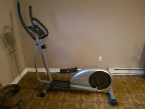 Elliptique / Elliptical machine Club Piscine Fitness
