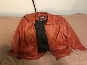 Manteau cuirette de couleur cuivre
